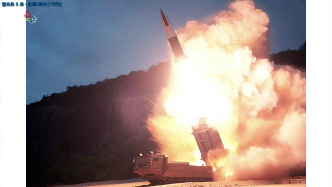 북한 미사일 발사