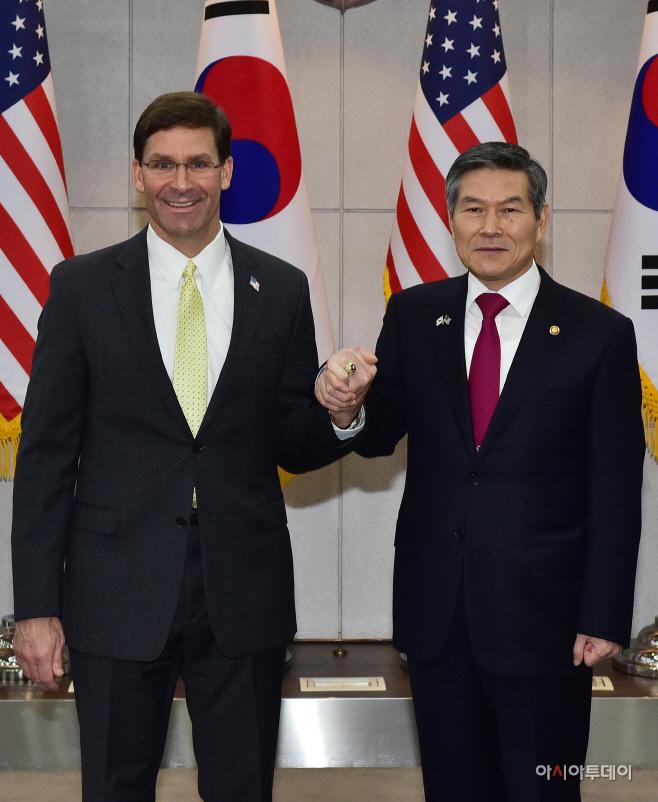 정경두 국방부 장관과 마크 에스퍼 미 국방부 장관1