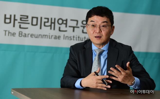 홍경준 바른미래연구원장 인터뷰