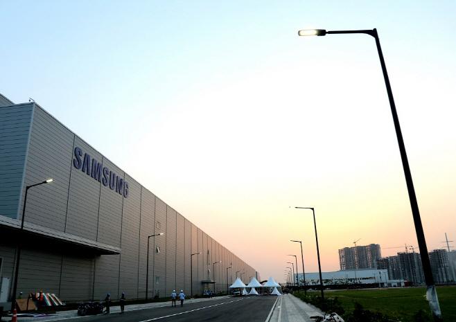 삼성전자 인도 노이다 스마트폰 공장 전경