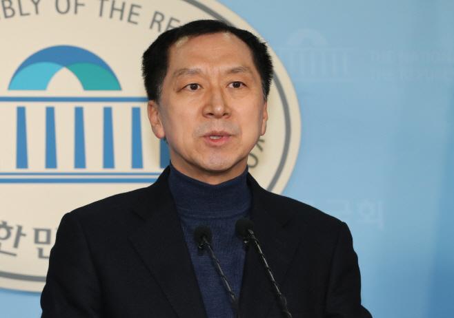 선거무효 소송 제기 의사 밝히는 김기현 전 울산시장