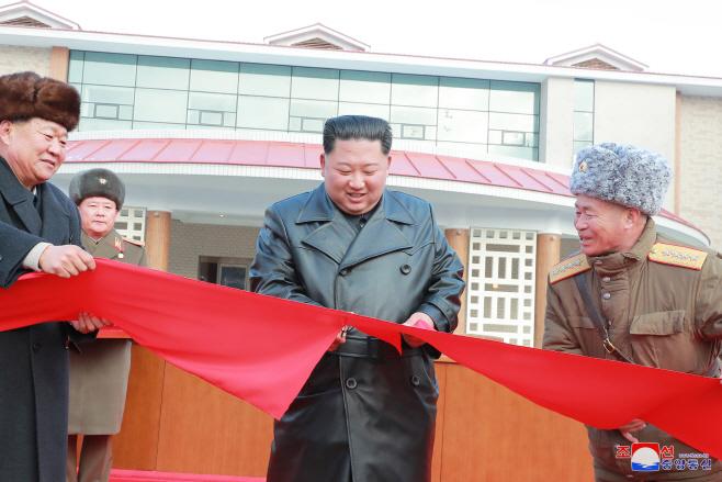 북한 김정은, 양덕온천 준공식 참석