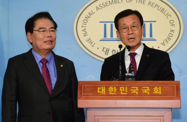 [포토] 민주당 중진 원혜영·백재현