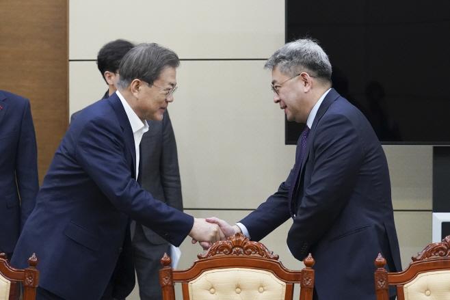 문 대통령과 북방경제협력위원장