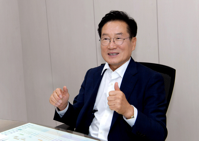 최기문 영천시장 인터뷰 사진 2