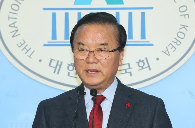 한국당 5선 정갑윤, 불출마 선언<YONHAP NO-4722>