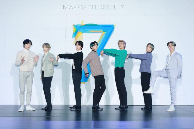 방탄소년단_MAP OF THE SOUL 7_글로벌 기자간담회_단체(3)