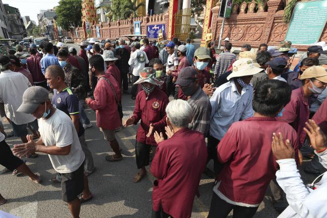 Virus Outbreak Cambodia <YONHAP NO-3986> (AP)