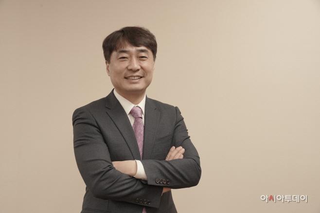 홍원의 한전산업개발 대표이사