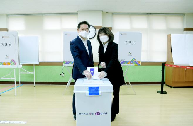 최기문 영천시장 사전투표 사진1