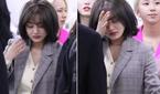 """트와이스 지효, 출국길에 눈물…""""얼마나 맘고생 심했으면"""""""