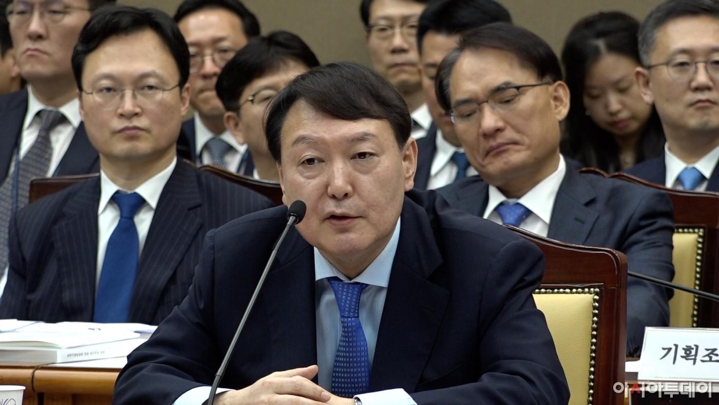"""윤석열, 한겨레에 격앙 """"접대의혹 보도···사과 꼭 받아야겠다!"""""""