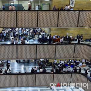 [포토] 20대 국회 국정감사 마무리 '분주한 피감기관 관계자들'