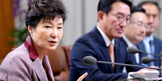 朴대통령, 교과서 국정화 '정면돌파' 배경은?