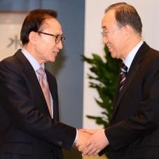 이명박 전 대통령 만난 반기문 전 총장