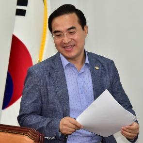 밝은 표정 박홍근 원내수석부대표
