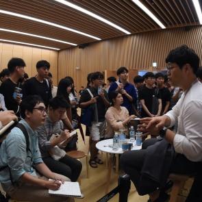 현대자동차 채용박람회 '선배들과 취업 상담'