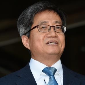소감 밝히는 김명수 대법원장 후보자