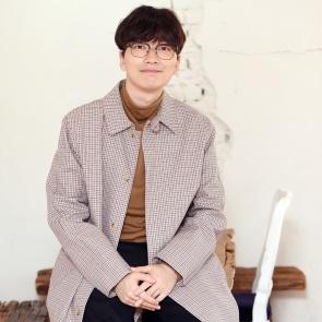 패셔니스타 배우 이동휘예요!