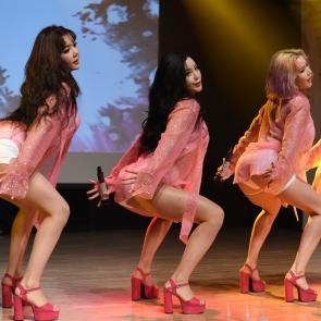 걸그룹 레이샤, '핑크 라벨' 데뷔 쇼케이스
