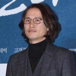 송새벽, 단발 유발자(?)