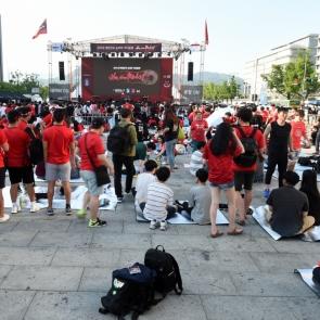 한국축구에 모여드는 시민들