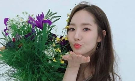 박민영, 나이 가늠하기 어려운 동안 페이스 '입술 쪽'