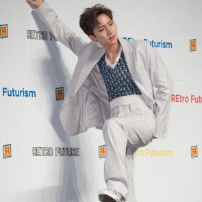 트리플H, 새 운동화 신은 후이