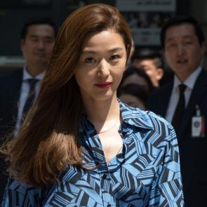 가로수길 나타난 전지현
