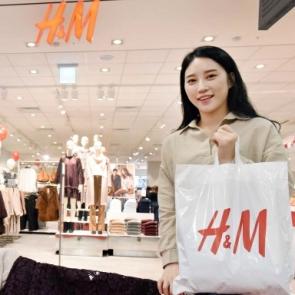 """홈플러스 """"이제 마트에서 H&M 만나세요"""""""