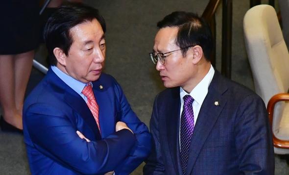 홍영표-김성태, 무슨 대화?
