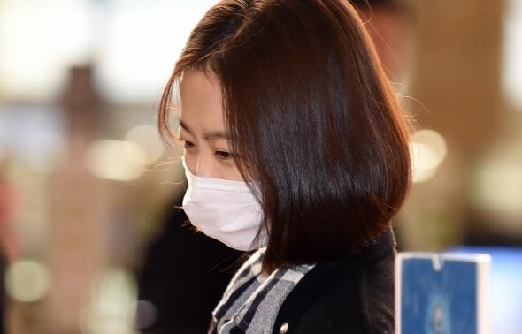박보영, 마스크 쓰고 조용히 출국