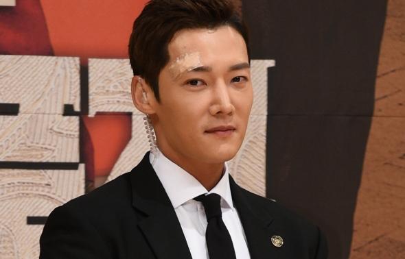 황후의 품격, 최진혁 '부상 투혼'
