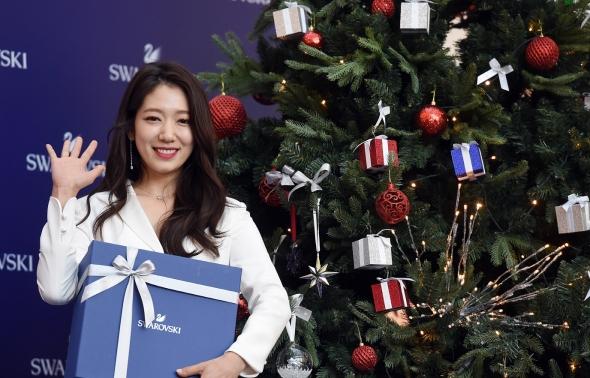 박신혜의 미소, 백조보다 더 이뻐