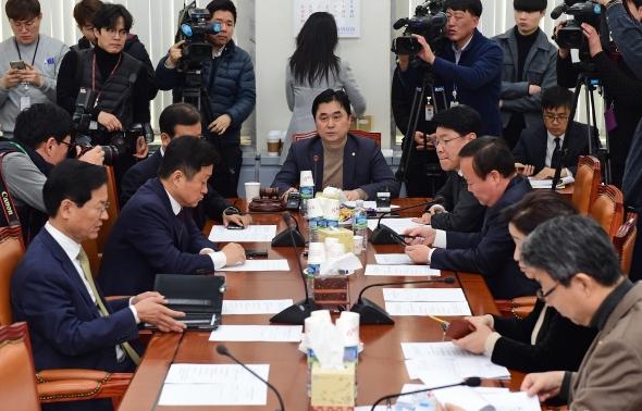 국회 정개특위 소위…선거제 개편 논의