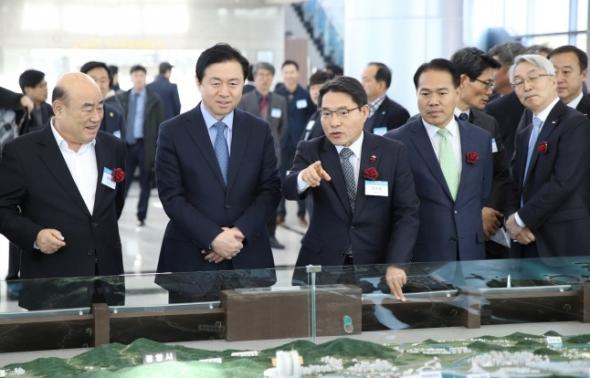 여수광양항만공사를 방문한 김영춘 해수부장관