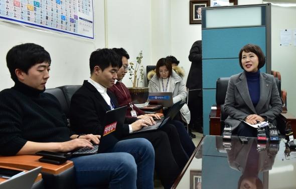 기자간담회 갖는 전현희 민주당 택시-카풀 TF 위원장