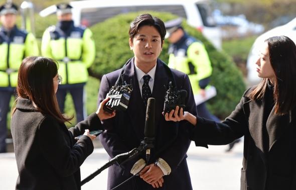 '버닝썬 사태' 촉발 김상교, 피고소인 신분 경찰 출석