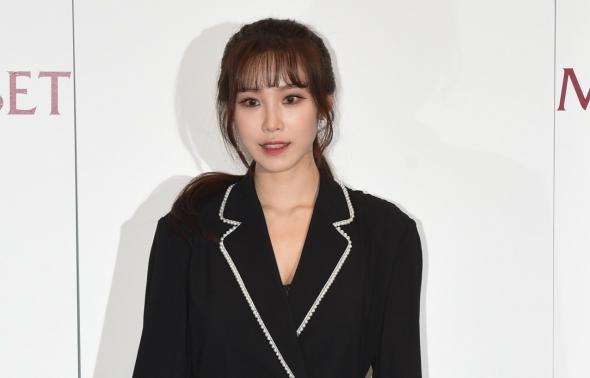 란제리 패션쇼 참석한 전효성