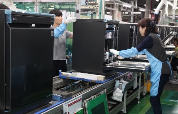LG전자 식기세척기 생산라인 '풀가동'