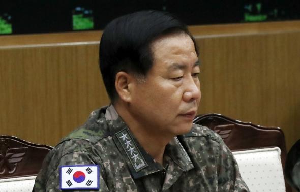 심승섭 해군참모총장 '무거운 표정'