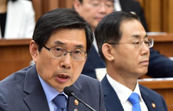 사개특위 답변하는 박상기 법무부 장관