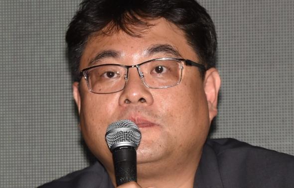 경제부문 설명하는 김형석 프로그래머