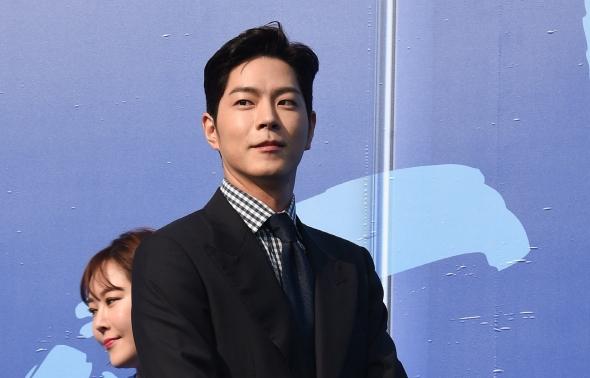 노트 어워즈 참석한 배우 홍종현