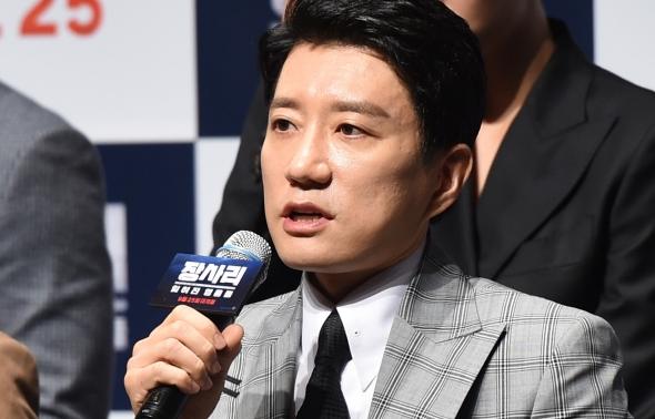김명민, 유격대의 리더