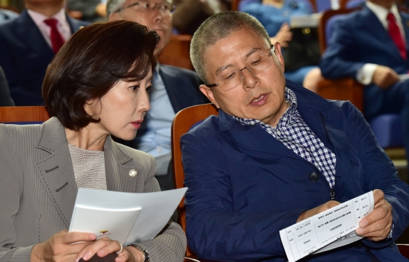 황교안-나경원 '무슨 대화?'