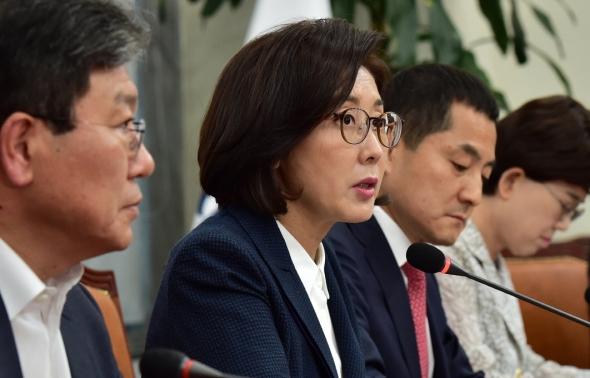 나경원 '검찰개혁 당정...조국 구하기 가짜 당정'