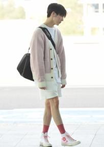펜타곤 키노, 꽃무늬 신발
