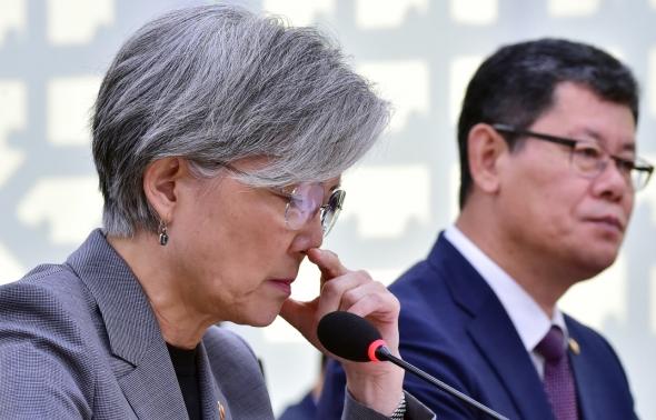 생각에 잠긴 강경화 외교부 장관
