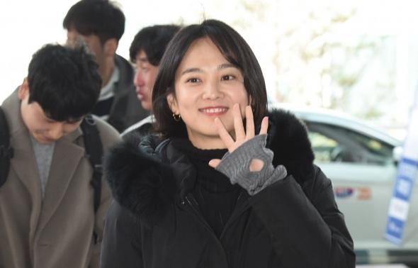 윤승아, '다녀올게요~'